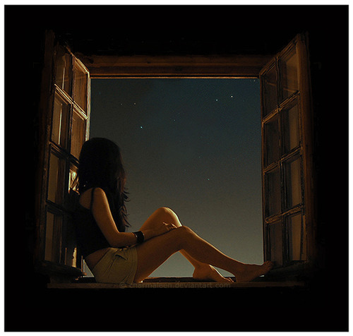girl-night-stars-window-Favim.com-113232